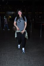 Ayesha Takia returns from vacation on 16th June 2016 (10)_576397c00ac7c.JPG