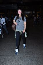 Ayesha Takia returns from vacation on 16th June 2016 (12)_576397c1d43e7.JPG