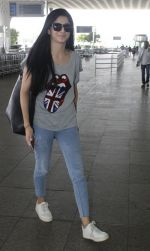 Mawra Hocane snapped at airport on 16th June 2016 (24)_5763994b2ffa1.JPG