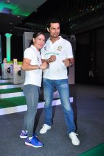 Randeep Hooda, Mary Kom promotes for Ariel  detergent Powder on 16th June 2016 (13)_57639a9138acb.JPG