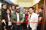 Riteish Deshmukh launches gold gym in Delhi on 16th June 2016 (9)_576395eb4cee9.JPG