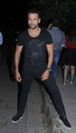 Rohit Roy snapped post dinner in Bandra on 16th June 2016