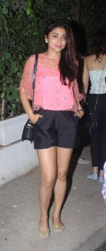 Shriya Saran snapped post dinner in Bandra on 16th June 2016