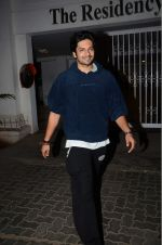 Ali Fazal at Karan Johar_s star studded bash in Mumbai on 18th June 2016(436)_576665d5c6b8d.JPG