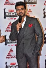 Ram Charan at Film Fare Awards South 2016 (1)_5766735aa01f3.jpg