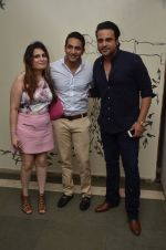 Krishna Abhishek at 50th play of Vandana Sajnani_s Fourplay play in Mumbai on 19th June 2016 (42)_5767946029228.JPG