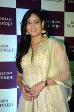 Shweta Tiwari at Baba Siddique & Zeeshan Siddique_s Iftaari celebration on 19th June 2016 (317)_5767a67099d16.JPG