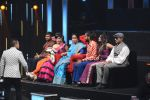Asha Bhosle on the sets of SAREGAMA on 21st June 2016 (11)_57694c595e518.JPG