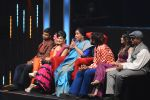 Asha Bhosle on the sets of SAREGAMA on 21st June 2016 (14)_57694c5a195c5.JPG