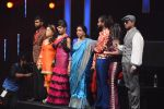 Asha Bhosle on the sets of SAREGAMA on 21st June 2016 (9)_57694c58986eb.JPG