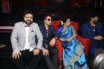 Asha Bhosle, Pritam Chakraborty, Mika Singh, Wajid on the sets of SAREGAMA on 21st June 2016 (40)_57694cc35b97e.JPG