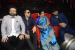Asha Bhosle, Pritam Chakraborty, Mika Singh, Wajid on the sets of SAREGAMA on 21st June 2016 (46)_57694c8a8f031.JPG