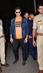 Hrithik Roshan leave for IIFA day 1 on 20th June 2016