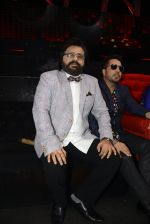 Pritam Chakraborty, Mika Singh on the sets of SAREGAMA on 21st June 2016 (45)_57694cc573edd.JPG