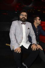 Pritam Chakraborty, Mika Singh on the sets of SAREGAMA on 21st June 2016