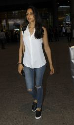 Priya Ranchal snapped at airport in Mumbai on 20th June 2016 (16)_5768b651d6030.JPG