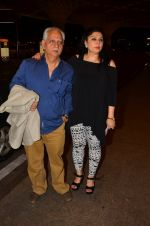 Ramesh Sippy, Kiran Juneja leave for IIFA day 1 on 20th June 2016 (56)_5768ba4a14043.JPG