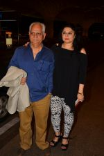Ramesh Sippy, Kiran Juneja leave for IIFA day 1 on 20th June 2016 (55)_5768ba345c2e6.JPG