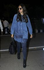 Sonam Kapoor snapped at airport in Mumbai on 20th June 2016