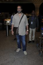 Anand L Rai leaves for IIFA on Day 2 on 21st June 2016(139)_576a2190b82a8.JPG