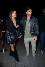Bipasha Basu, Karan Singh Grover leaves for IIFA on Day 2 on 21st June 2016(476)_576a220344f07.JPG