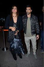 Bipasha Basu, Karan Singh Grover leaves for IIFA on Day 2 on 21st June 2016(480)_576a2204880c2.JPG