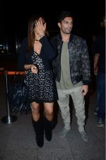 Bipasha Basu, Karan Singh Grover leaves for IIFA on Day 2 on 21st June 2016(484)_576a2205a9ce0.JPG
