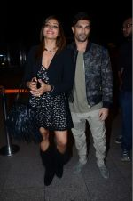 Bipasha Basu, Karan Singh Grover leaves for IIFA on Day 2 on 21st June 2016(486)_576a2206411a0.JPG