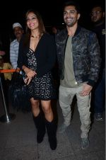 Bipasha Basu, Karan Singh Grover leaves for IIFA on Day 2 on 21st June 2016(504)_576a220c6ffa5.JPG