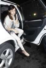 Dia Mirza leaves for IIFA on Day 2 on 21st June 2016(202)_576a22308ec90.JPG