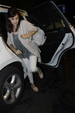 Dia Mirza leaves for IIFA on Day 2 on 21st June 2016(204)_576a2231a5105.JPG