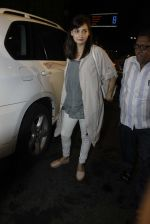 Dia Mirza leaves for IIFA on Day 2 on 21st June 2016(210)_576a22357f12d.JPG