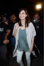 Dia Mirza leaves for IIFA on Day 2 on 21st June 2016(346)_576a22556efe7.JPG