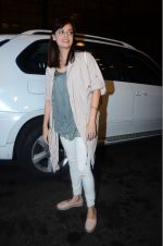 Dia Mirza leaves for IIFA on Day 2 on 21st June 2016(328)_576a224b8c7d6.JPG