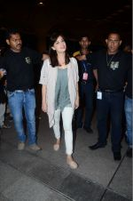 Dia Mirza leaves for IIFA on Day 2 on 21st June 2016(336)_576a224fe6a63.JPG