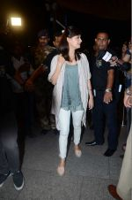 Dia Mirza leaves for IIFA on Day 2 on 21st June 2016(342)_576a2253366a3.JPG