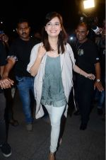 Dia Mirza leaves for IIFA on Day 2 on 21st June 2016(344)_576a22544af93.JPG