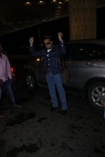 Gulshan Grover leaves for IIFA on Day 2 on 21st June 2016(213)_576a2275741a8.JPG