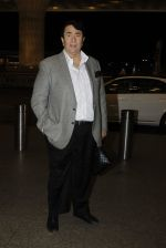 Randhir Kapoor leaves for IIFA on Day 2 on 21st June 2016