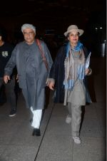 Shabana Azmi, Javed Akhtar leaves for IIFA on Day 2 on 21st June 2016(335)_576a2370b368c.JPG