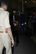 Shahid Kapoor leaves for IIFA on Day 2 on 21st June 2016(268)_576a23a74c390.JPG