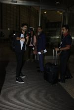 Shahid Kapoor leaves for IIFA on Day 2 on 21st June 2016(289)_576a23b7ec6af.JPG