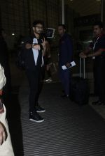 Shahid Kapoor leaves for IIFA on Day 2 on 21st June 2016(291)_576a23b9967bc.JPG