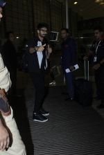 Shahid Kapoor leaves for IIFA on Day 2 on 21st June 2016(292)_576a23ba666fe.JPG