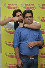 Shiv Pandit at Radio Mirchi for 7 hours to go on 22nd June 2016 (10)_576a9fd08343f.JPG