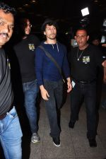 Tiger Shroff leaves for IIFA on Day 2 on 21st June 2016