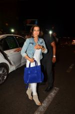 Ameesha Patel snapped at airport in Mumbai on 22nd June 2016 (49)_576b892452105.JPG