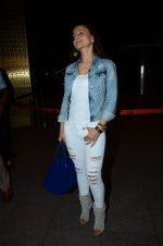 Ameesha Patel snapped at airport in Mumbai on 22nd June 2016 (60)_576b8933414b1.JPG