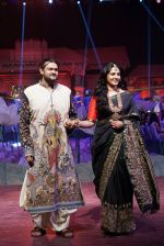 Anushka Shetty at An Ode To Weaves and Weavers Fashion show at HICC Novotel, Hyderabad on June 21, 2016 (16)_576bddd57b784.JPG
