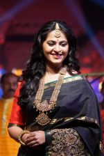 Anushka Shetty at An Ode To Weaves and Weavers Fashion show at HICC Novotel, Hyderabad on June 21, 2016 (98)_576bdf0916f8a.JPG